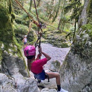 Le canyon du Pont des Oules est adapté pour les enfants et leurs parents.